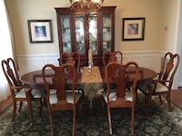 Dining Room Table & China Cabinet Greenbelt, 20770