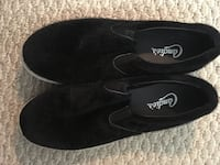 pair of black slip-on shoes Germantown, 20874