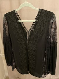 Brand New Alice + Olivia Black Lace Top V Shape Size M-L