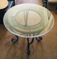 Round glass top table with black metal base Torrance, 90717