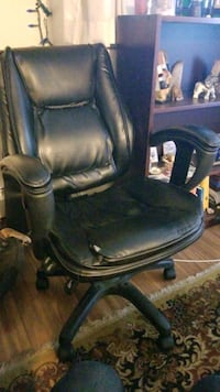 Office chair (True Innovations) Victoria, V8R 6N9