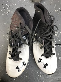 Pair of white-and-black under armor football cleats Murrieta, 92562