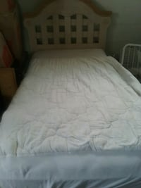 white bed mattress with white bed frame Eastpointe, 48021