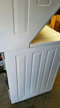 white front load clothes dryer Montreal