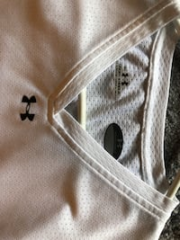 Under armour shorts sleeve shirt -Small Smith-Ennismore-Lakefield, K0L