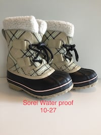 Bottes d'hiver  Sorel Water  proof Burberry Fille taille 10  boots Brossard, J4Y 3E1