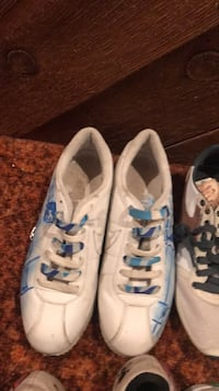 pair of white-and-blue low top sneakers Winnipeg, R2J 2S5