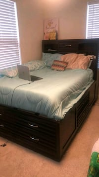 Full/Queen storage bed and chest