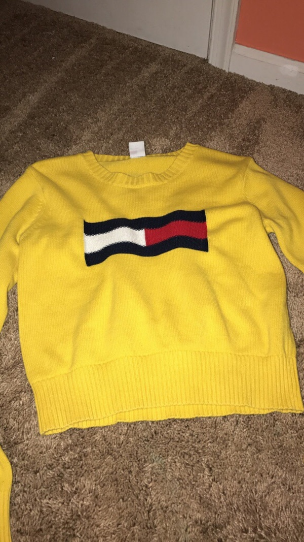 price remains stable save up to 60% modern style Yellow Tommy Hilfiger crew-neck crop top sweatshirt