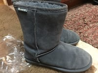 Bearpaw  Emma short grey suede boots, size 7 Lincoln, 02865