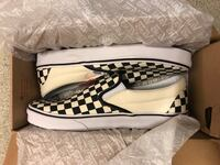 white and black checkered leather slip on shoes Toronto, M1P 4P5