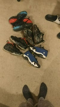 four pairs of basketball shoes Strasburg, 22657