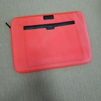 Charles&keith laptop pouch Vancouver, V6M 1T8