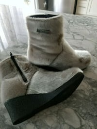 Real seal winter boots Barrie, L4N 6M6