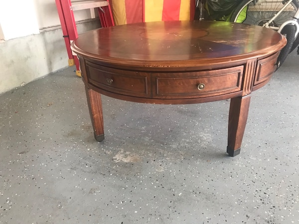 Solid Wood Round Table with Wheels and 4 drawers  d53cba13-5180-46ef-aa87-475fff2e8cdc