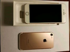 2 Rose Gold iPhone 7's  (Mint Condition)
