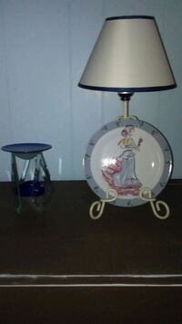 white and blue floral table lamp Martinsburg, 25401