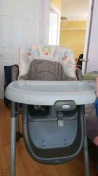 baby's white and gray high chair Vaughan, L4J 8P7