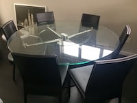 Round glass dining table Surrey, V3S