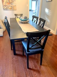 IKEA dinning table with 2 size extensions (no chairs) Pickering