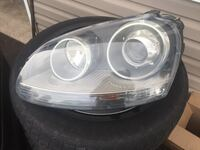 HEADLIGHTS CAME OUT 2006 VOLKSWAGEN JETTA 2.0T Thorold, L2E