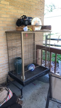 Large Parrot Cage Akron, 44312