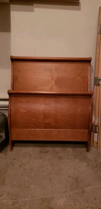Real wood single bed frame Laval, H7E 0B6