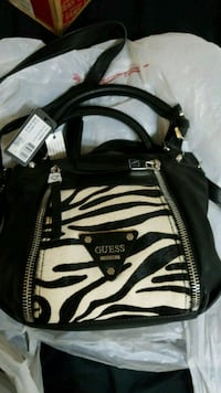 Purse Guess Satchel new with tags Boynton Beach, 33426