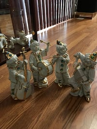 Porcelain Figurines with crystal and Gold accent, original RG italian collection Joint Base Lewis-McChord, 98433