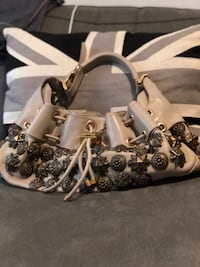 Burberry Beige leather bucket bag with silver stud Milton, L9T 1N8