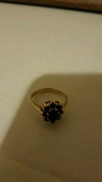 10K real gold Garnet ring about a size 8