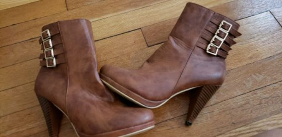 tan brown boots 8d644a64-4cc3-49a4-842b-30fca1a97097
