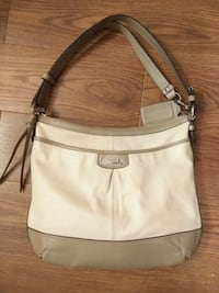 Coach purse London, N5X 2B9
