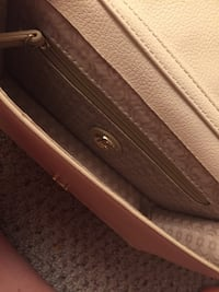 Cute handbag/purse ... creamy nude Port Moody, V3H 1S1