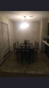 Dining room table  Norman, 73072