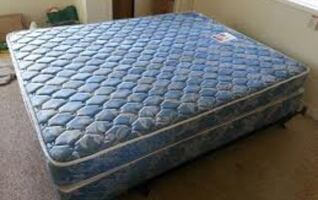 Queen size maters and box spring