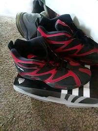 black-and-red Nike basketball shoes Fayetteville, 28314