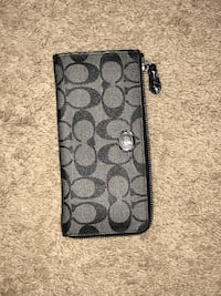 Black and gray coach monogram wristlet Portsmouth, 23704