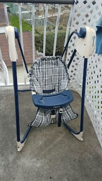 white and black plaid high chair Montreal, H1R 2T8