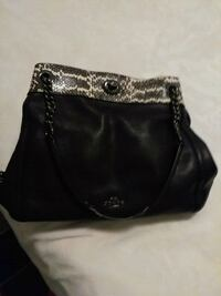 Coach women's black leather shoulder bag Vancouver, V6S 0A5
