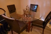 Dining room table for sale . Cambridge, N1S 3B1