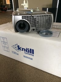 Knoll projector. Works, just needs a new bulb  Calgary, T2Y 5C7