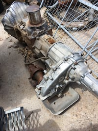 Chevrolet - C3500 - 1997 manual transmission and transfer case make me an offer Bernalillo, 87004