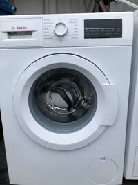 white Bosch front load washing machine Sterling Heights, 48311