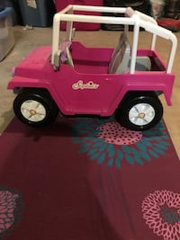 pink and white Sophia's ride-on toy car York, 17403