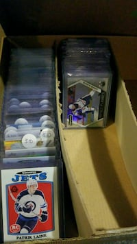 Lots of hockey cards for sale  Toronto, M1S