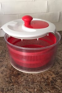 Red and White Salad Spinner Barrie