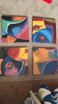 three assorted color of abstract paintings Marion, 52302