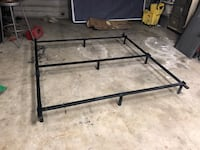 Cal king bed frame bed rail Bakersfield, 93306