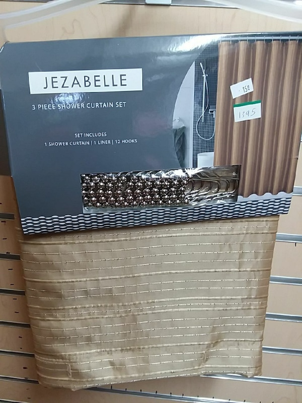 Used Beige Jezabelle 3 Piece Shower Curtain Set For In Victorville Letgo